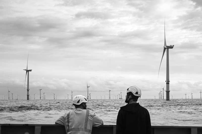 The frontier between fixed and floating foundations in offshore wind